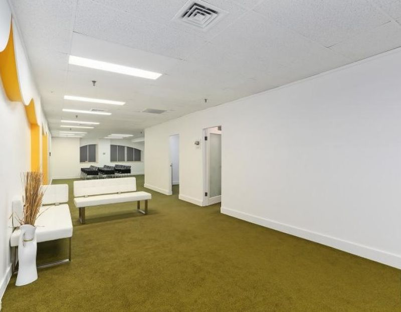 IMMACULATE OFFICE IN PRIME SYDNEY CBD - VACANT POSSESSION