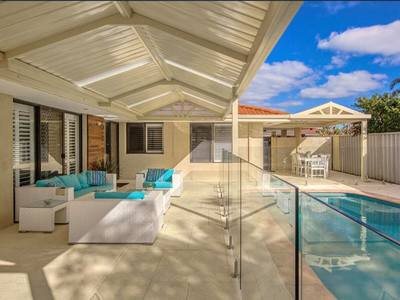 Absolutely beautiful large family home with heated  pool and lots of extras