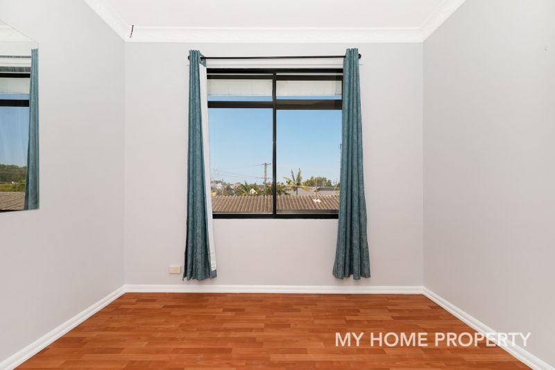 Hidden Gem Top Floor  4 Bedroom 123sqm Unit in The Heart of Clayfield