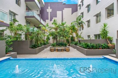 EXECUTIVE URBAN TWO BEDROOM RESIDENCE IN THE HEART OF SURRY HILLS