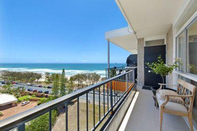 Glasshouse Living Beachfront Penthouse