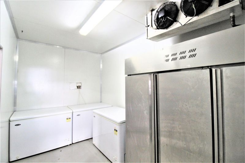 IDEAL FOR FOOD & BEVERAGE AND/OR GHOST KITCHEN!