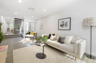 High-End Design And Family Functionality In A Dress-Circle Setting
