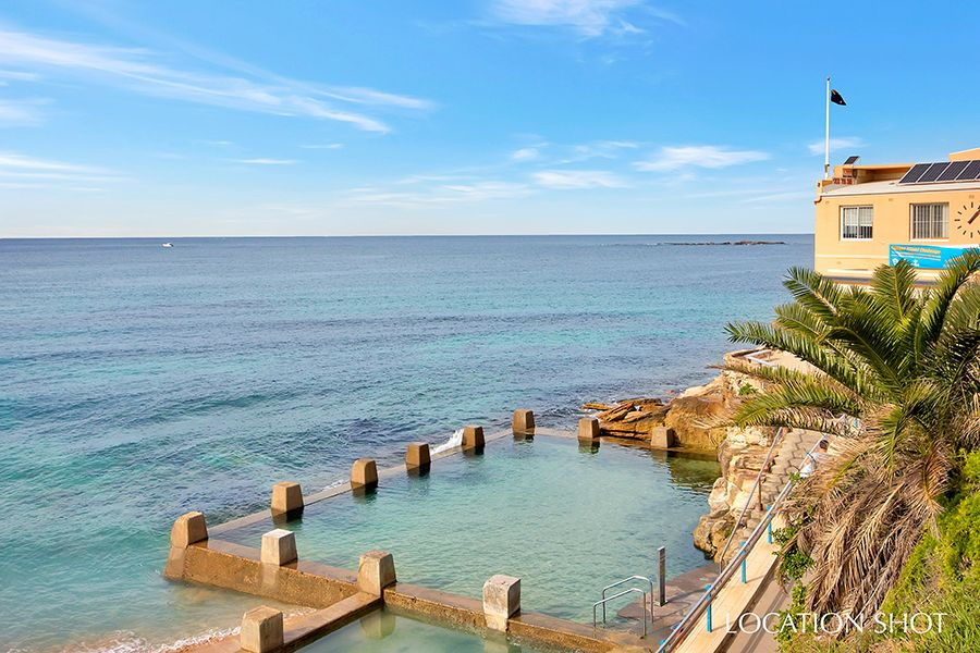 Stroll to Clovelly Beach, Gordons Bay and the vibrant beach lifestyle of Coogee