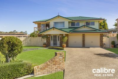 One of the Northside's most prestigious suburbs is this solid family home with a pool just waiting for you to enjoy!