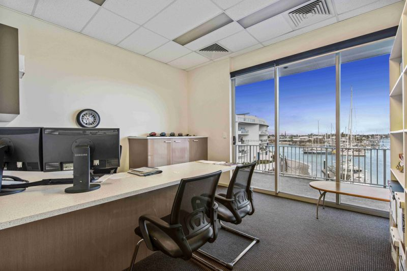 Exquisite High Exposure Waterfront Office