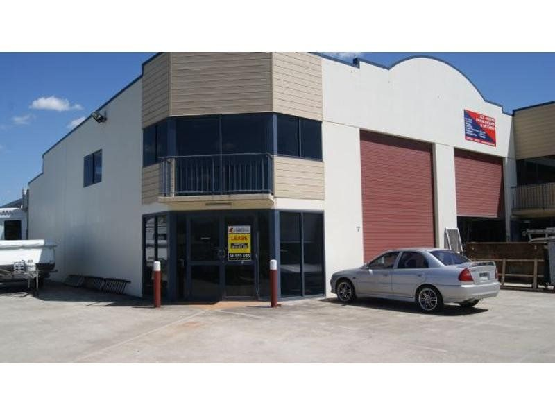 Quality Industrial Warehouse in Corporate Park Estate