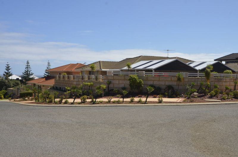 For Sale By Owner: 2 Jeddah Court, Mindarie, WA 6030