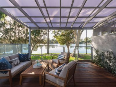 NEW EXECUTIVE LAKEFRONT VILLA IN SOUGHT-AFTER LOCATION