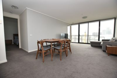 Fully Furnished Two Bedroom in Prime Southbank Location!