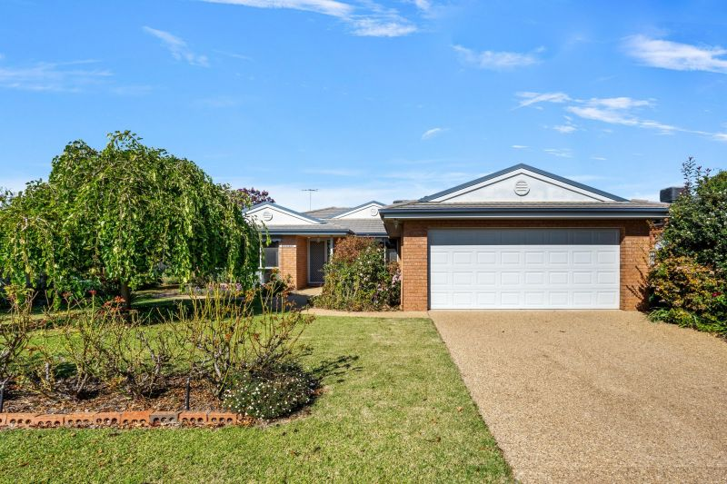 Beautifully presented, centrally located!