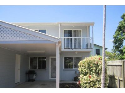 Air Conditioned Townhouse in Prime Location - Brand New Bathroom