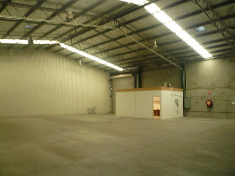 GREAT VALUE MEDIUM SIZED FACTORY/OFFICE