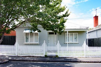 Beautifully updated, 3 bedroom Edwardian home in a quiet locale in the heart of Footscray