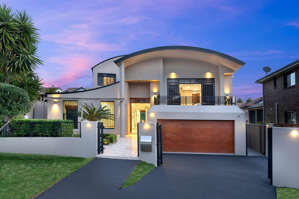 73 Carnavon Crescent, Georges Hall NSW 2198