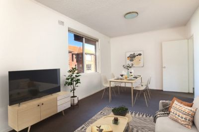 Neat And Tidy Two Bedroom With Garage