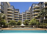IMPRESSIVE APARTMENT WITH VIEWS OVER RUSHCUTTERS PARK