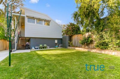 = HOLDING DEPOSIT RECEIVED = BEAUTIFULLY RENOVATED FAMILY HOME INCLUDING SELF CONTAINED STUDIO/HOME OFFICE