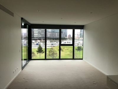 Chic Yarra Point ONE bedroom apartment