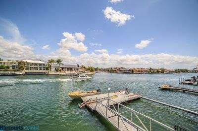 FAMILY HOME 18.9M* WATERFRONTAGE