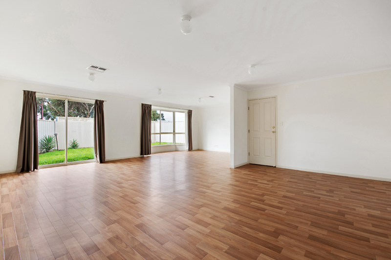 EVANSTON GARDENS - Ready to Move?...Move Here!