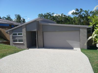 BRAND NEW FAMILY HOME - PIMPAMA