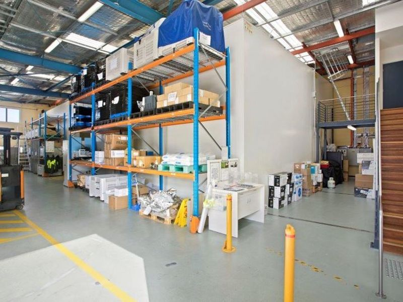 SUPERB HI-TECH WAREHOUSE WITH FULLY FITTED OFFICES plus COOLROOM (Optional)