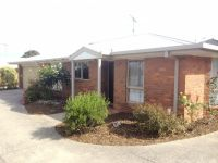 Central Torquay Townhouse