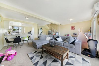 3 bedroom Townhouse- perfect family home!