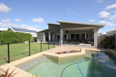 Executive style 4 bedroom home + Study + Pool, backing Willows Golf Course.
