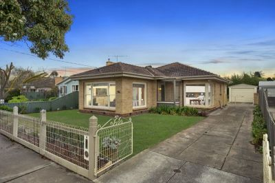 Style And Charm in sought after Location