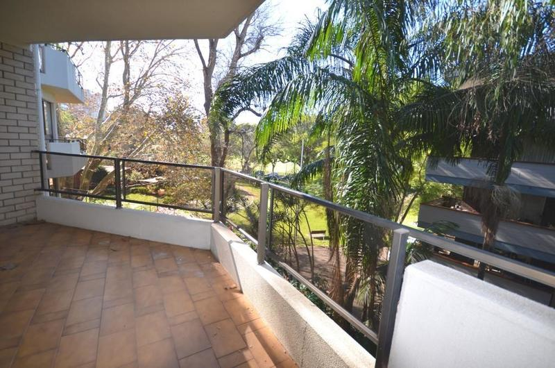 OUTSTANDING TRANQUIL PARKSIDE 2 BEDROOM UNIT – RUSHCUTTERS BAY
