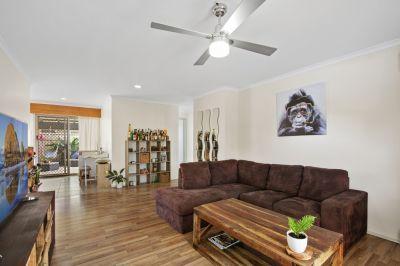 Spacious renovated Ashmore Home - Private Hidden Retreat