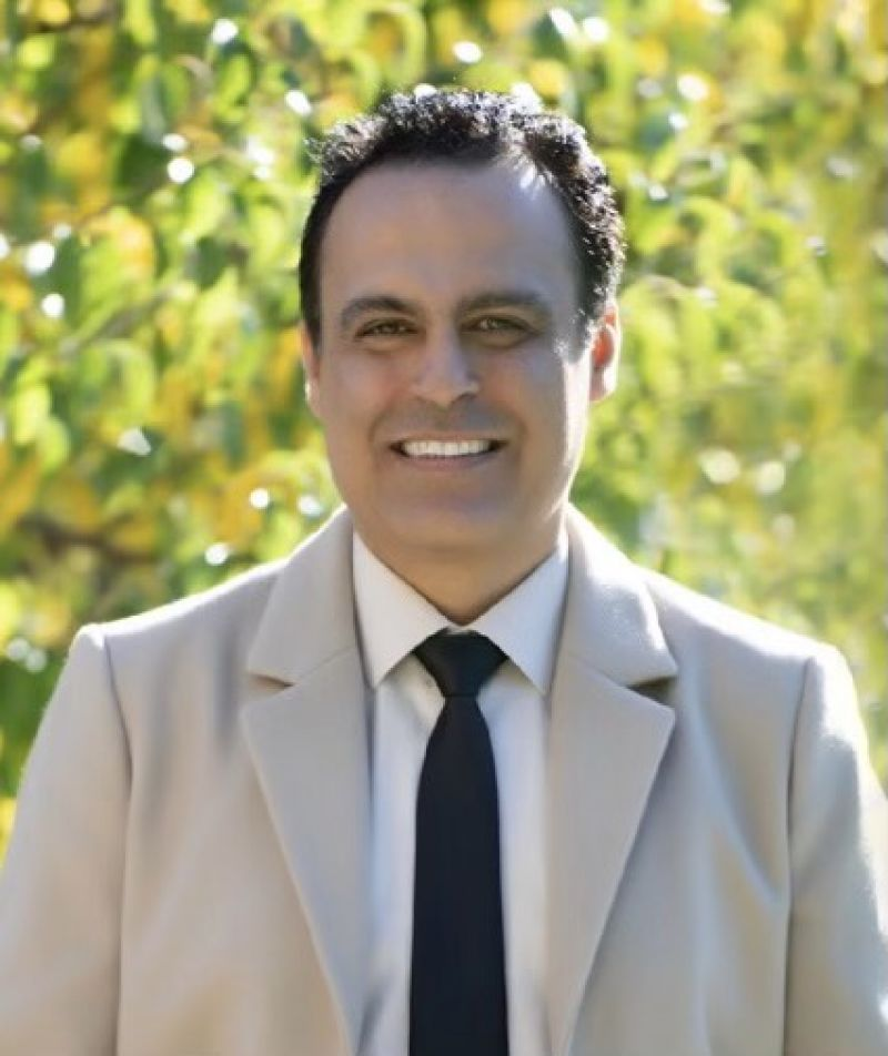 Arash Goodarzi Real Estate Agent