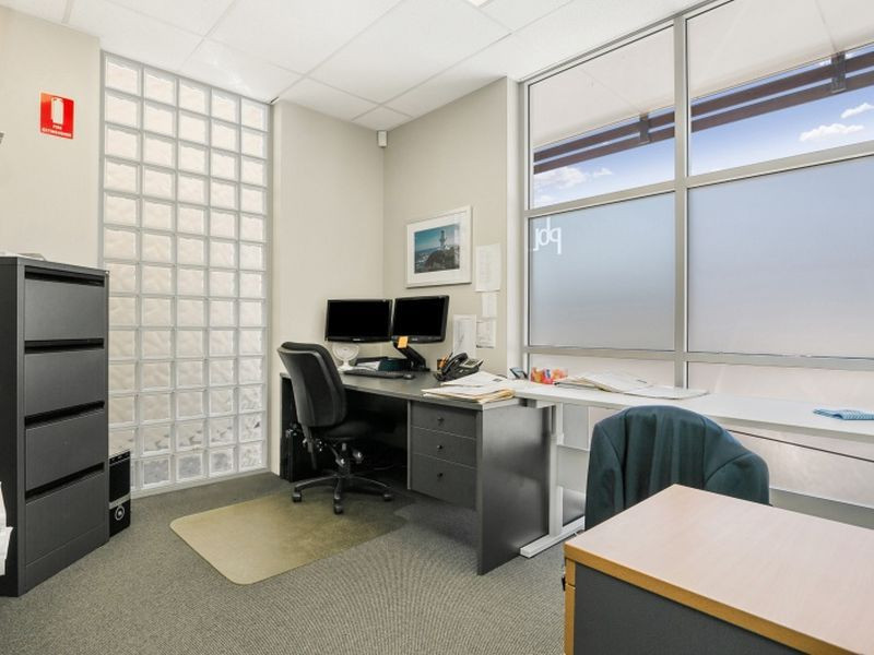 PRIME GROUND FLOOR OFFICE!! - FLEXIBLE AREAS AVAILABLE 20m2 - 200m2!