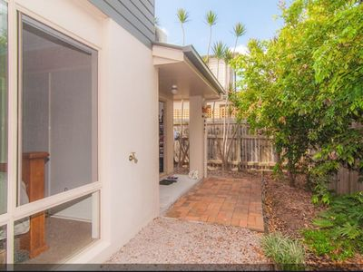 Townhouse in quiet area and close to the water