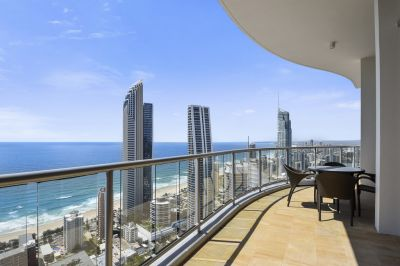 Luxurious 345m2 Sub-Penthouse