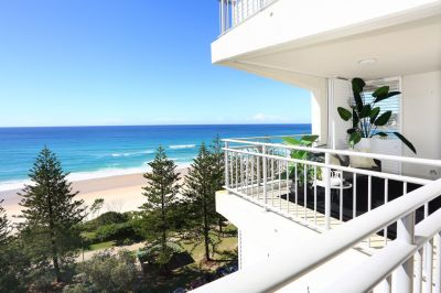 5-Star beachfront luxury with post-card perfect views