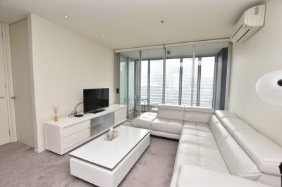Stunning Two Bedroom + Study Apartment!