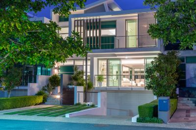 Dreamy Waterfront Villa with a Huge Private Basement Garage