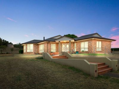 ANOTHER ONE SOLD BY GEOFF PAULSEN - CROWNE REAL ESTATE - THINK PROPERTY - THINK PINK