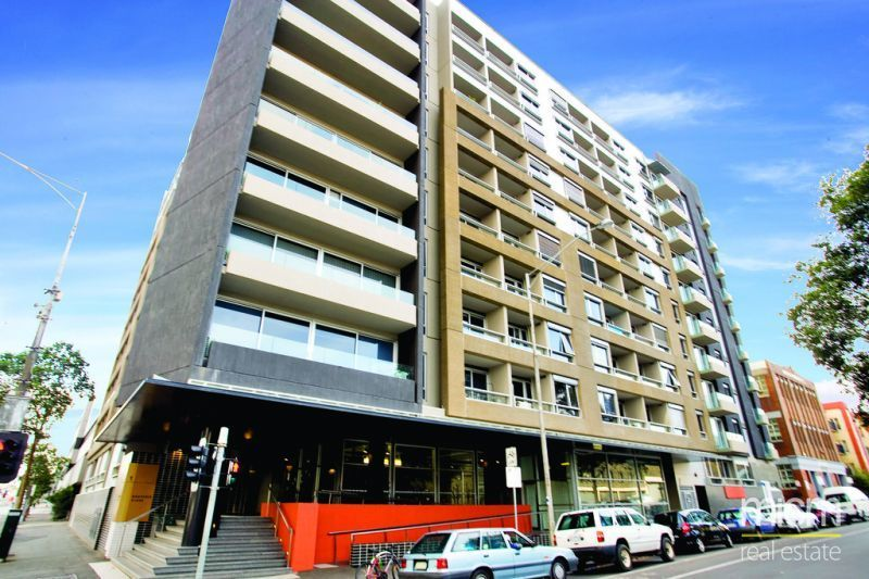 Fantastic, Furnished Apartment in Stylish Carlton!