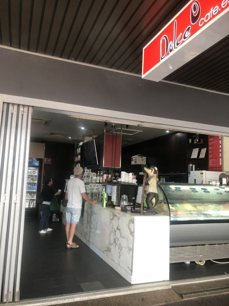 DOLCE CAFE.  PRIME LOCATION.  GOOD TURNOVER.  PRICED TO SELL FAST!