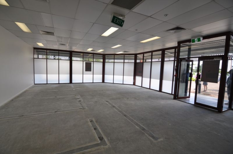 Prime retail/ office space near regional shopping centre