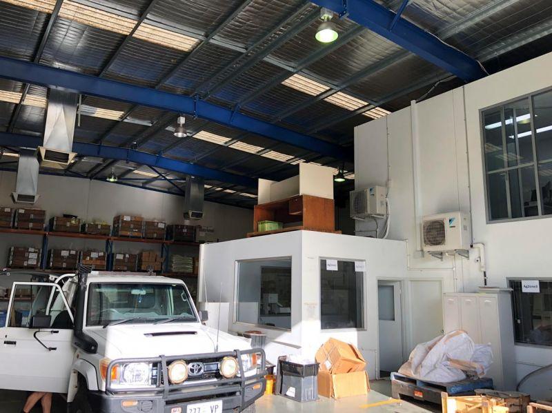 Modern tilt panel office warehouse for lease