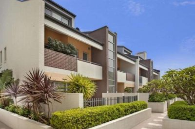 Unique Oversized 2 Bedroom Split Level Apartment in the Heart of Botany