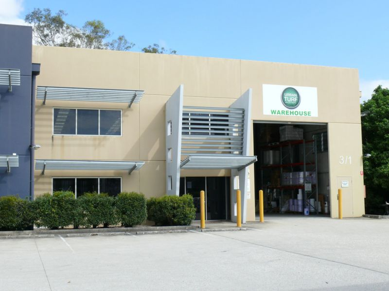 Warehouse / Office Close To M1