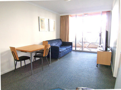 Convenient Furnished Resort-style One Bedroom Unit near Central Station!