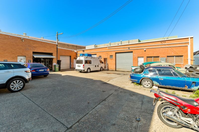 168SQM OF PRIME SPACE IN THE HEART OF BROOKVALE