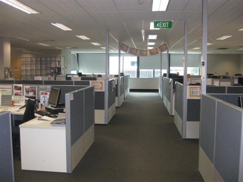LEEDERVILLE OFFICE SPACE - FULLY PARTITIONED FULL FLOOR - ONLY $325/sqm